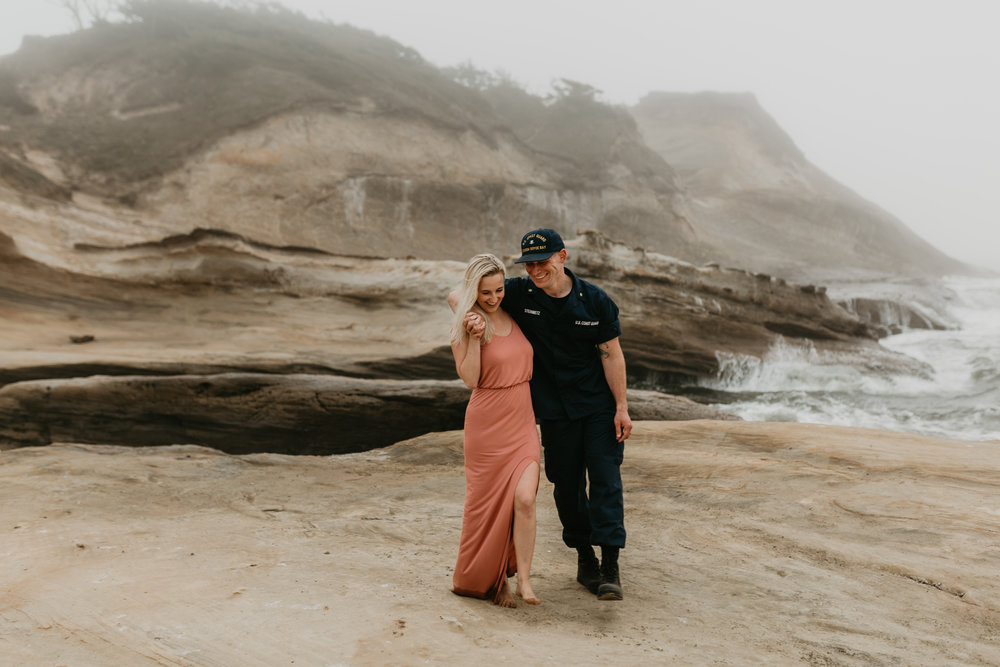 Nicole-daacke-photography-cape-kiwanda-foggy-adventure-session-engagement-session-anniversary-photos-oregon-coast-pacific-city-oregon-elopement-photographer-19.jpg
