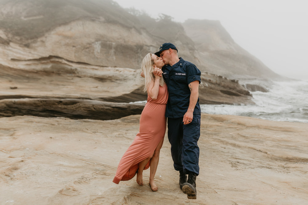 Nicole-daacke-photography-cape-kiwanda-foggy-adventure-session-engagement-session-anniversary-photos-oregon-coast-pacific-city-oregon-elopement-photographer-20.jpg