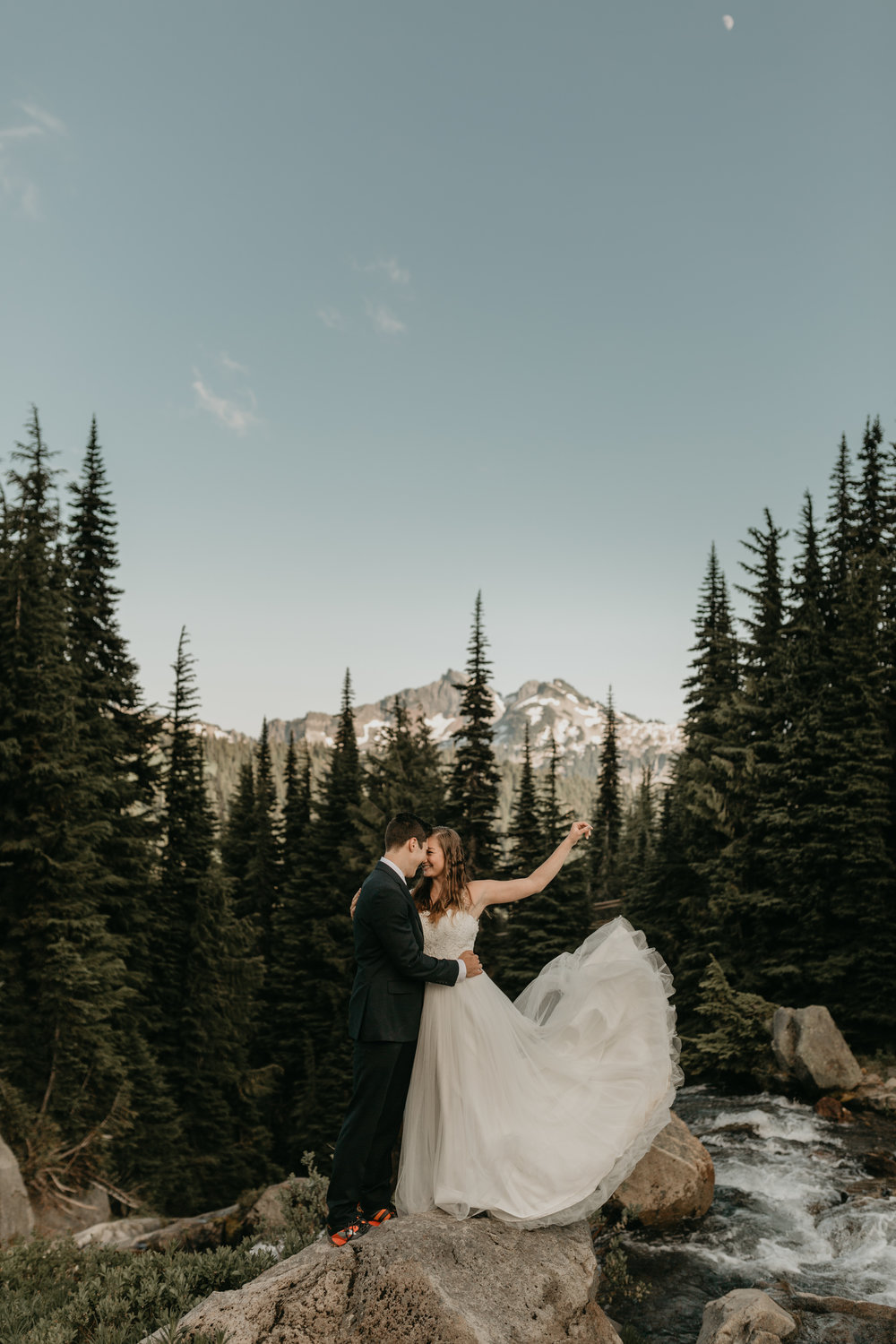 nicole-daacke-photography-adventurous-elopement-traveling-destination-wedding-photographer-national-park-engagement-sessions-7091.jpg