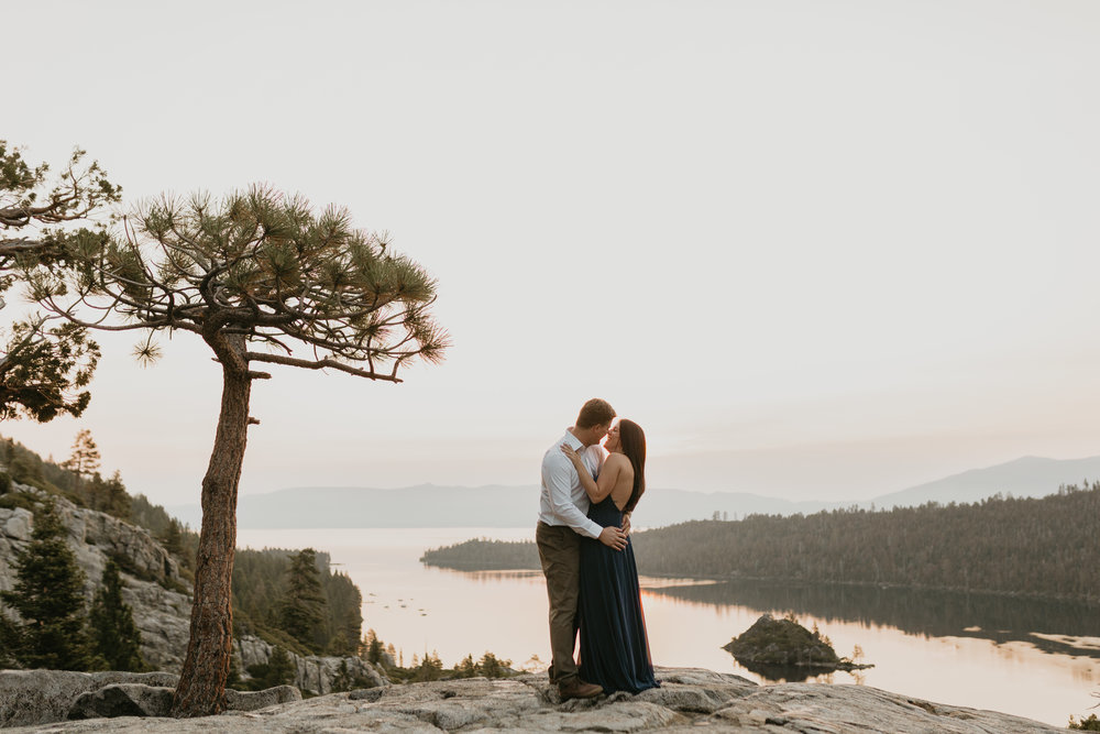 nicole-daacke-photography-lake-tahoe-sunrise-summer-adventure-engagement-photos-nevada-wedding-elopement-photographer-golden-emerald-bay-light-pine-trees-summer-vibe-fun-carefree-authentic-love-12.jpg