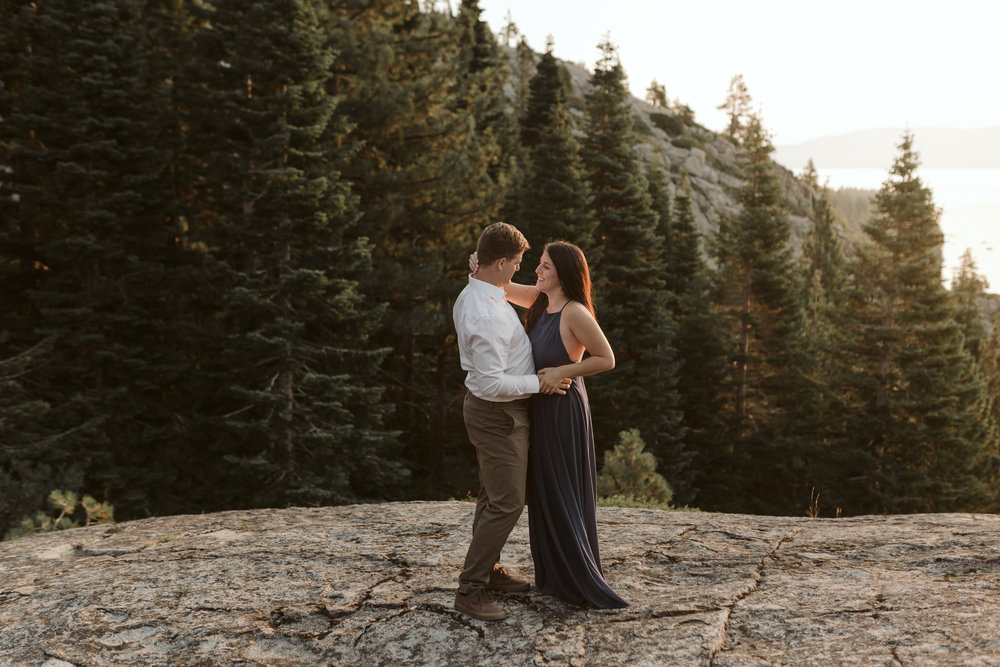 nicole-daacke-photography-lake-tahoe-sunrise-summer-adventure-engagement-photos-nevada-wedding-elopement-photographer-golden-emerald-bay-light-pine-trees-summer-vibe-fun-carefree-authentic-love-26.jpg