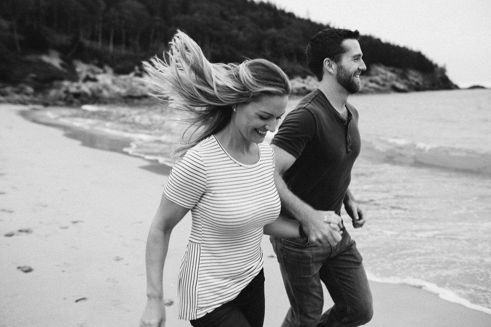 nicole-daacke-photography-acadia-national-park-adventurous-engagement-session-photos-otter-cliffs-forests-coastline-sand-beach-adventure-session-bar-harbor-mt-desert-island-elopement-fall-bass-harbor-lighthouse-wedding-maine-landscape-photographer-1.jpg