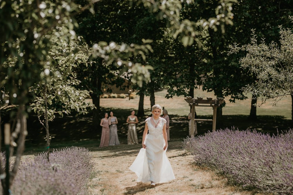 nicole-daacke-photography-kingston-house-bainbride-washington-wedding-photography-summer-wedding-lavendar-field-pacific-northwest-wedding-glam-forest-elopement-photographer-17.jpg