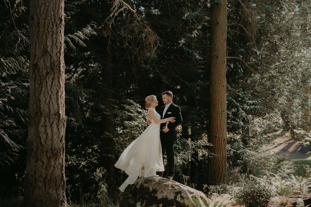 nicole-daacke-photography-kingston-house-bainbride-washington-wedding-photography-summer-wedding-lavendar-field-pacific-northwest-wedding-glam-forest-elopement-photographer-58.jpg
