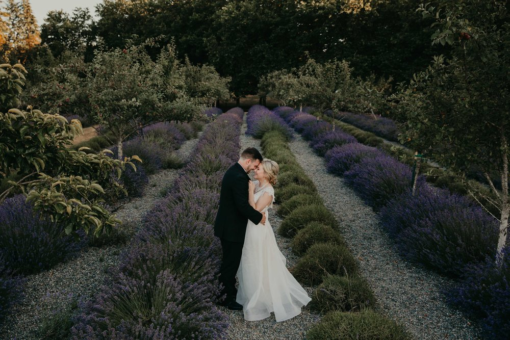 nicole-daacke-photography-kingston-house-bainbride-washington-wedding-photography-summer-wedding-lavendar-field-pacific-northwest-wedding-glam-forest-elopement-photographer-80.jpg