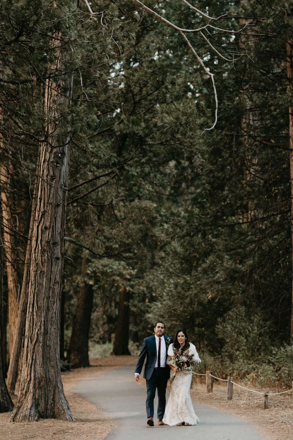 nicole-daacke-photography-intimate-elopement-wedding-yosemite-national-park-california-taft-point-sunset-photos-yosemite-valley-tunnel-view-first-look-sunrise-golden-granite-hiking-adventure-wedding-adventurous-elopement-photographer-21.jpg