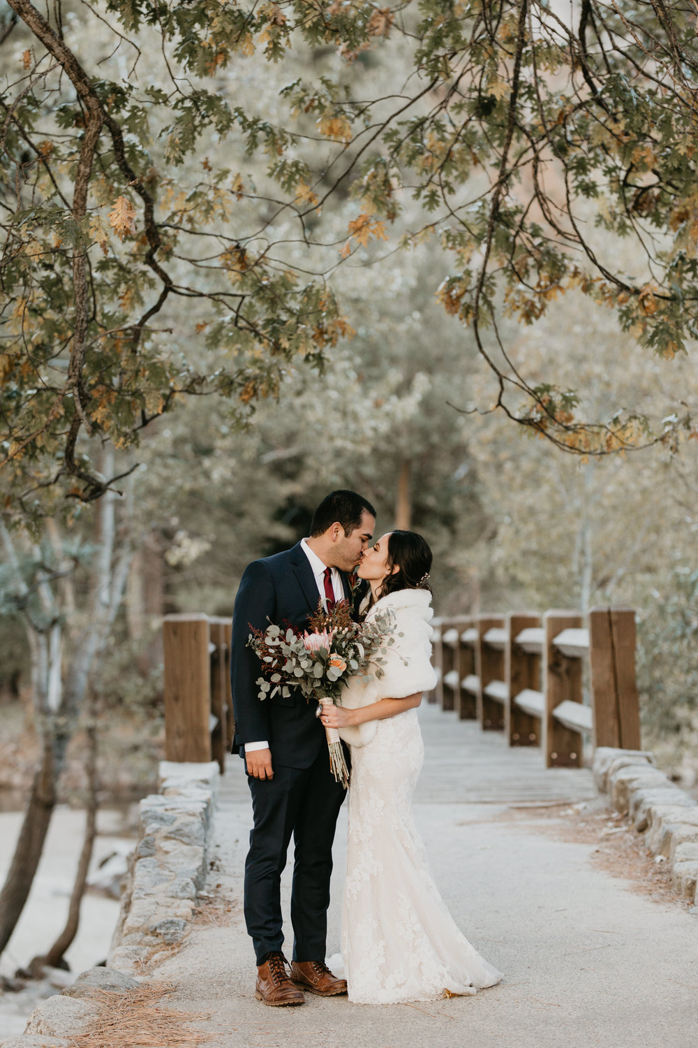 nicole-daacke-photography-intimate-elopement-wedding-yosemite-national-park-california-taft-point-sunset-photos-yosemite-valley-tunnel-view-first-look-sunrise-golden-granite-hiking-adventure-wedding-adventurous-elopement-photographer-22.jpg