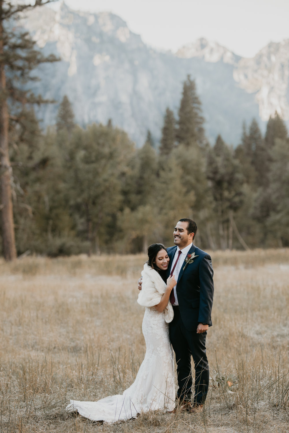 nicole-daacke-photography-intimate-elopement-wedding-yosemite-national-park-california-taft-point-sunset-photos-yosemite-valley-tunnel-view-first-look-sunrise-golden-granite-hiking-adventure-wedding-adventurous-elopement-photographer-30.jpg