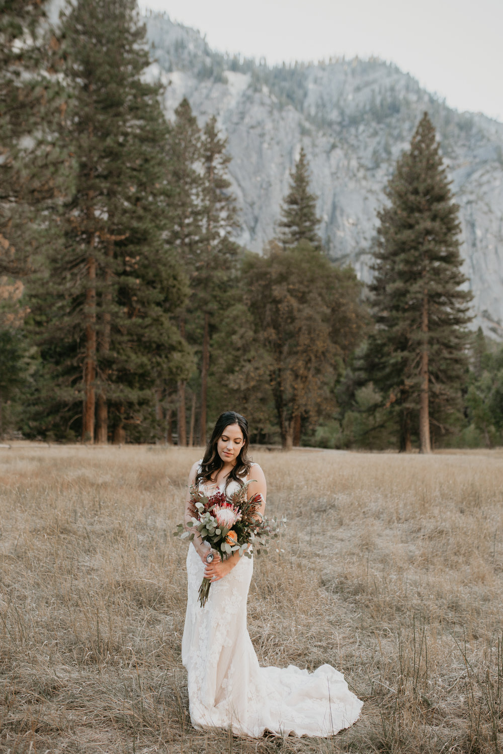 nicole-daacke-photography-intimate-elopement-wedding-yosemite-national-park-california-taft-point-sunset-photos-yosemite-valley-tunnel-view-first-look-sunrise-golden-granite-hiking-adventure-wedding-adventurous-elopement-photographer-31.jpg