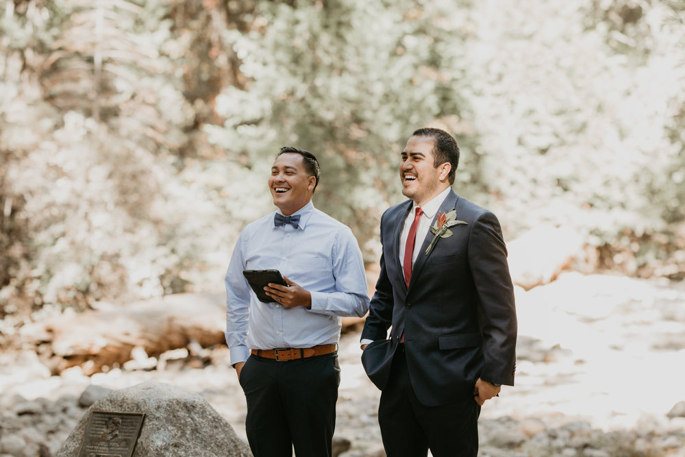nicole-daacke-photography-intimate-elopement-wedding-yosemite-national-park-california-taft-point-sunset-photos-yosemite-valley-tunnel-view-first-look-sunrise-golden-granite-hiking-adventure-wedding-adventurous-elopement-photographer-39.jpg