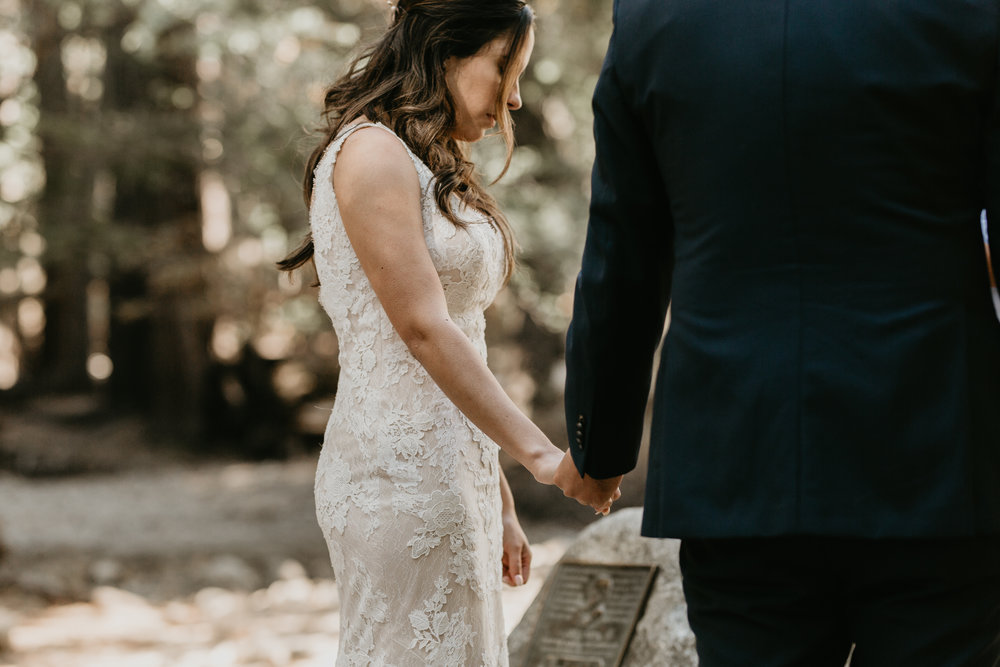 nicole-daacke-photography-intimate-elopement-wedding-yosemite-national-park-california-taft-point-sunset-photos-yosemite-valley-tunnel-view-first-look-sunrise-golden-granite-hiking-adventure-wedding-adventurous-elopement-photographer-45.jpg