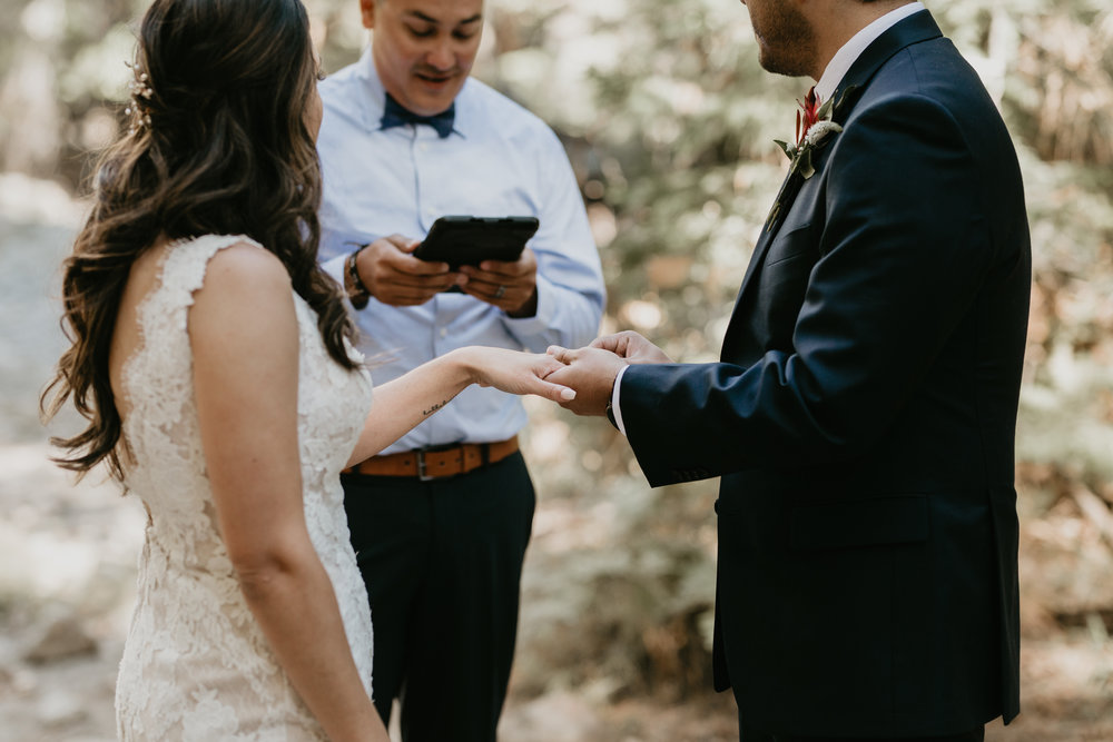 nicole-daacke-photography-intimate-elopement-wedding-yosemite-national-park-california-taft-point-sunset-photos-yosemite-valley-tunnel-view-first-look-sunrise-golden-granite-hiking-adventure-wedding-adventurous-elopement-photographer-50.jpg