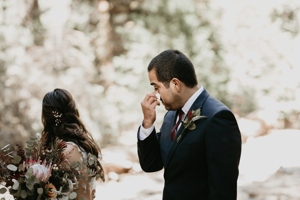 nicole-daacke-photography-intimate-elopement-wedding-yosemite-national-park-california-taft-point-sunset-photos-yosemite-valley-tunnel-view-first-look-sunrise-golden-granite-hiking-adventure-wedding-adventurous-elopement-photographer-54.jpg