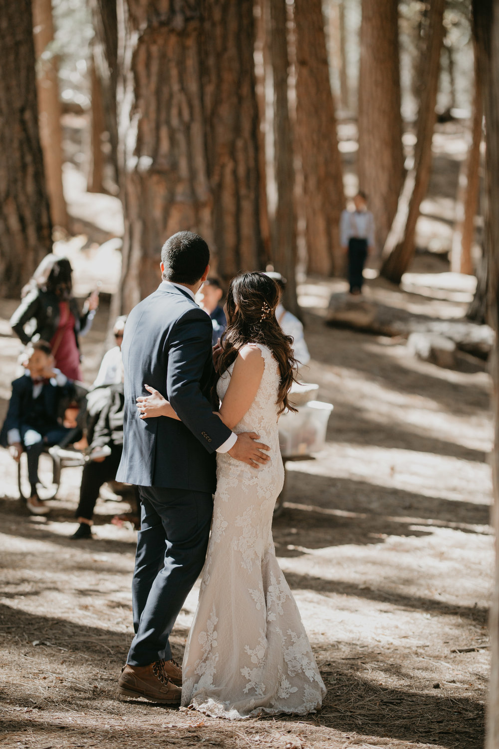 nicole-daacke-photography-intimate-elopement-wedding-yosemite-national-park-california-taft-point-sunset-photos-yosemite-valley-tunnel-view-first-look-sunrise-golden-granite-hiking-adventure-wedding-adventurous-elopement-photographer-79.jpg