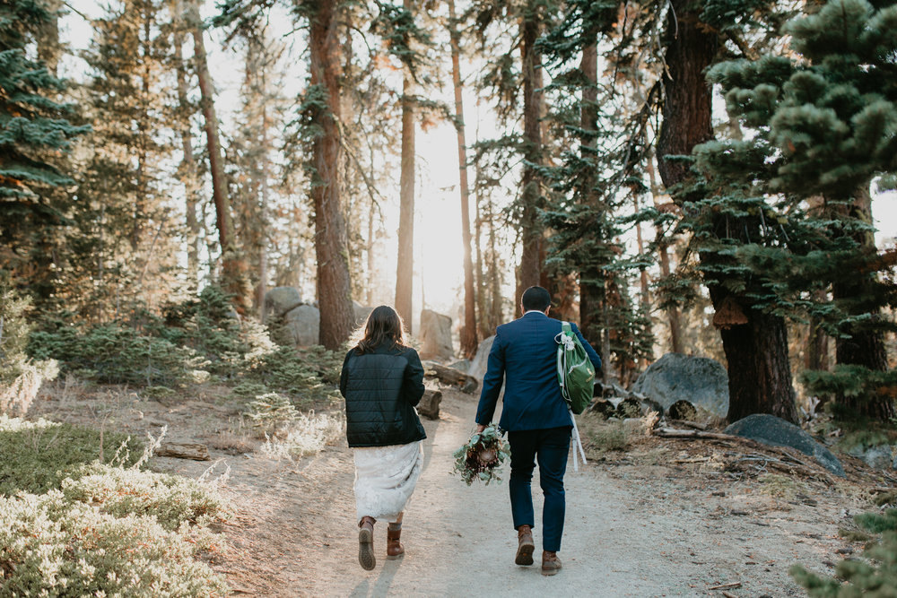 nicole-daacke-photography-intimate-elopement-wedding-yosemite-national-park-california-taft-point-sunset-photos-yosemite-valley-tunnel-view-first-look-sunrise-golden-granite-hiking-adventure-wedding-adventurous-elopement-photographer-88.jpg