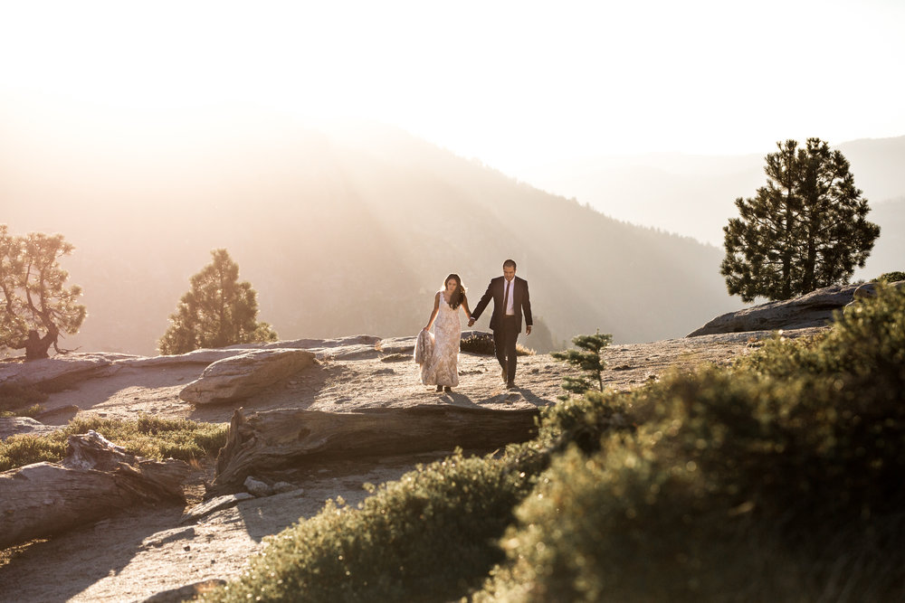 nicole-daacke-photography-intimate-elopement-wedding-yosemite-national-park-california-taft-point-sunset-photos-yosemite-valley-tunnel-view-first-look-sunrise-golden-granite-hiking-adventure-wedding-adventurous-elopement-photographer-90.jpg