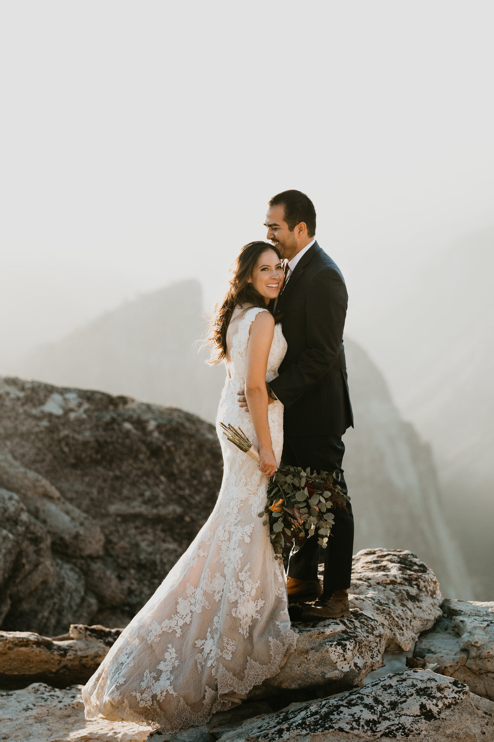nicole-daacke-photography-intimate-elopement-wedding-yosemite-national-park-california-taft-point-sunset-photos-yosemite-valley-tunnel-view-first-look-sunrise-golden-granite-hiking-adventure-wedding-adventurous-elopement-photographer-93.jpg