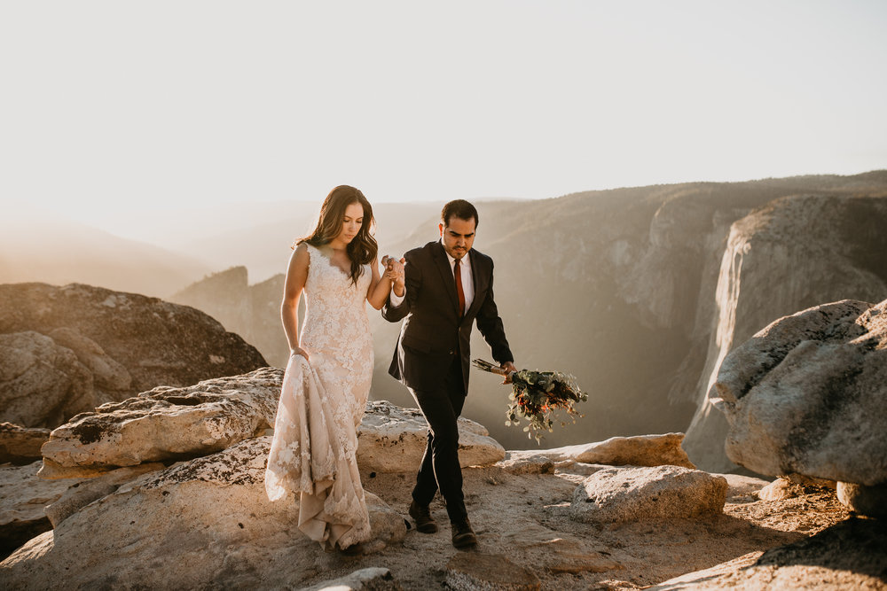 nicole-daacke-photography-intimate-elopement-wedding-yosemite-national-park-california-taft-point-sunset-photos-yosemite-valley-tunnel-view-first-look-sunrise-golden-granite-hiking-adventure-wedding-adventurous-elopement-photographer-103.jpg