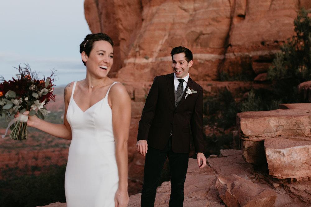 nicole-daacke-photography-sedona-arizona-destination-elopement-wedding-photographer-catherdral-rock-hiking-elopement-sedona-river-elopement-photos-desert-rock-wedding-photographer-laid-back-spontaneous-elopement-7.jpg