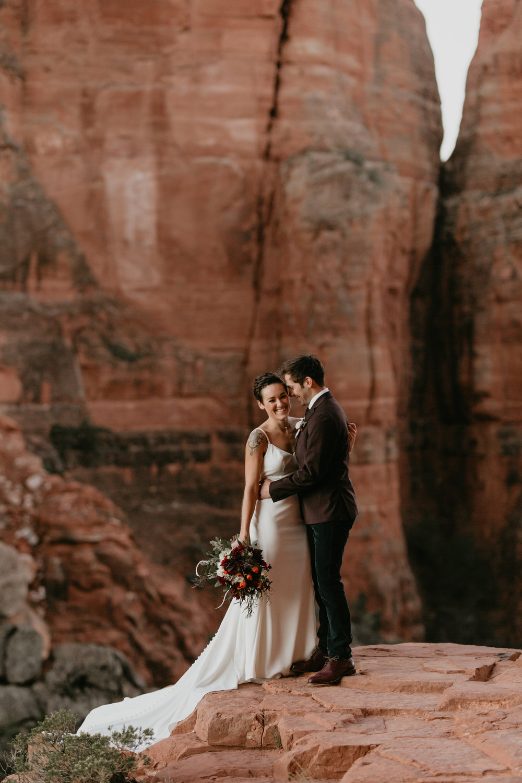 nicole-daacke-photography-sedona-arizona-destination-elopement-wedding-photographer-catherdral-rock-hiking-elopement-sedona-river-elopement-photos-desert-rock-wedding-photographer-laid-back-spontaneous-elopement-17.jpg