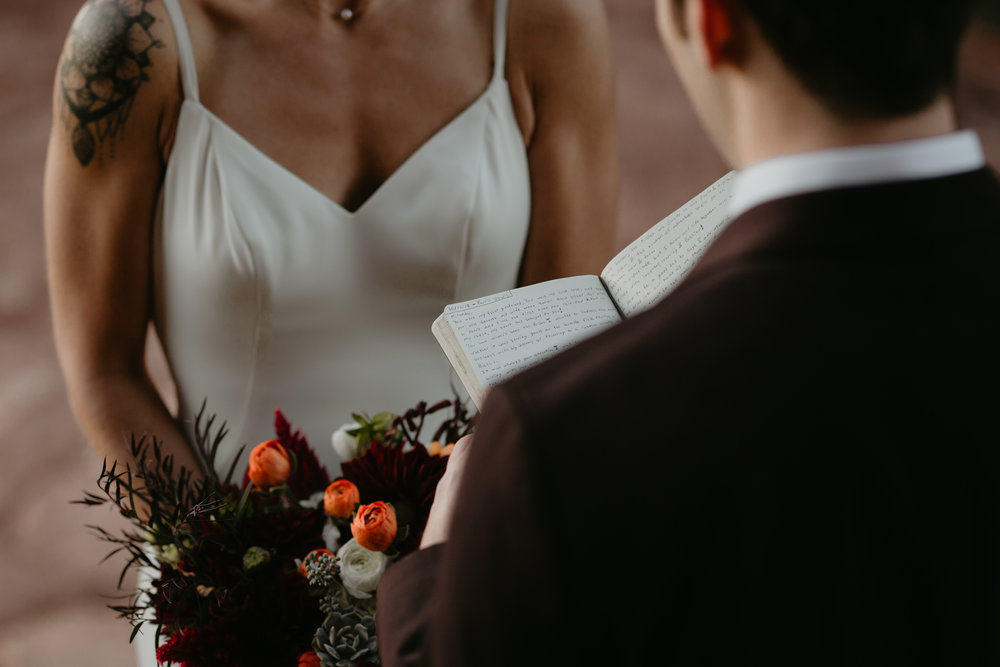 nicole-daacke-photography-sedona-arizona-destination-elopement-wedding-photographer-catherdral-rock-hiking-elopement-sedona-river-elopement-photos-desert-rock-wedding-photographer-laid-back-spontaneous-elopement-36.jpg