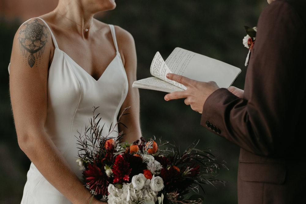 nicole-daacke-photography-sedona-arizona-destination-elopement-wedding-photographer-catherdral-rock-hiking-elopement-sedona-river-elopement-photos-desert-rock-wedding-photographer-laid-back-spontaneous-elopement-39.jpg