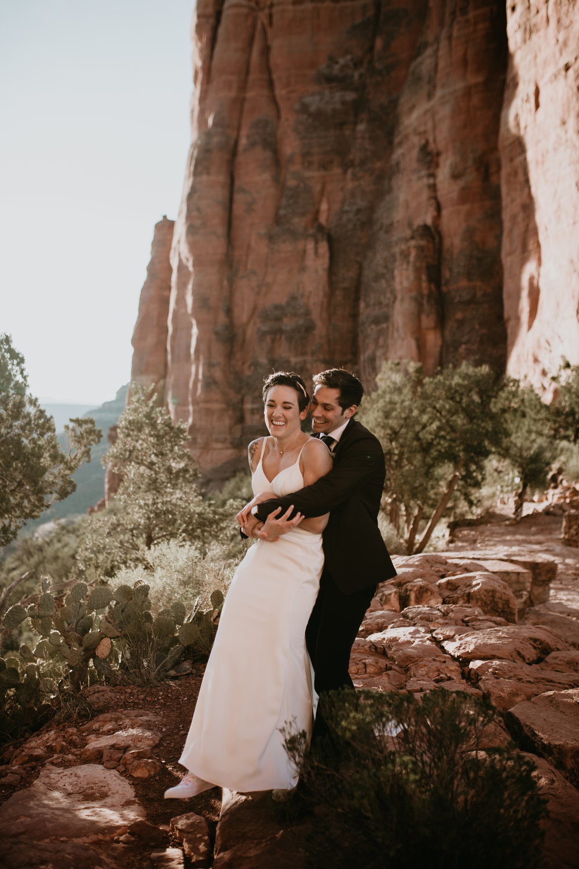 nicole-daacke-photography-sedona-arizona-destination-elopement-wedding-photographer-catherdral-rock-hiking-elopement-sedona-river-elopement-photos-desert-rock-wedding-photographer-laid-back-spontaneous-elopement-52.jpg
