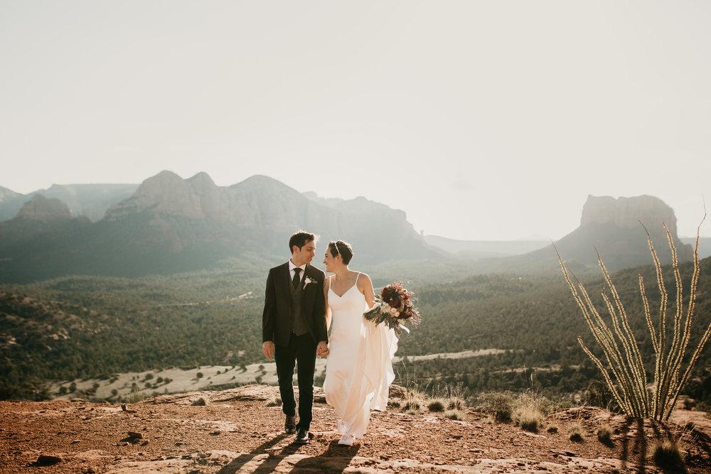 nicole-daacke-photography-sedona-arizona-destination-elopement-wedding-photographer-catherdral-rock-hiking-elopement-sedona-river-elopement-photos-desert-rock-wedding-photographer-laid-back-spontaneous-elopement-63.jpg