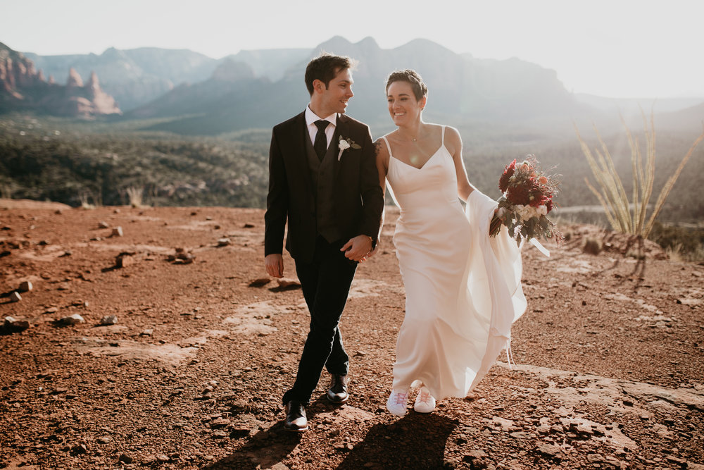 nicole-daacke-photography-sedona-arizona-destination-elopement-wedding-photographer-catherdral-rock-hiking-elopement-sedona-river-elopement-photos-desert-rock-wedding-photographer-laid-back-spontaneous-elopement-65.jpg