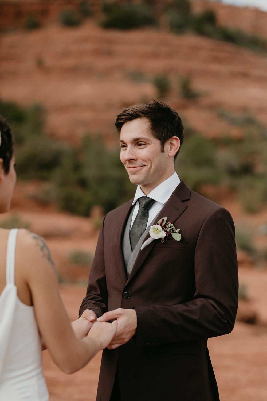 nicole-daacke-photography-sedona-arizona-destination-elopement-wedding-photographer-catherdral-rock-hiking-elopement-sedona-river-elopement-photos-desert-rock-wedding-photographer-laid-back-spontaneous-elopement-79.jpg