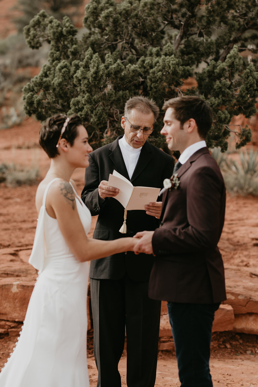 nicole-daacke-photography-sedona-arizona-destination-elopement-wedding-photographer-catherdral-rock-hiking-elopement-sedona-river-elopement-photos-desert-rock-wedding-photographer-laid-back-spontaneous-elopement-82.jpg
