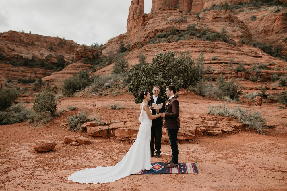 nicole-daacke-photography-sedona-arizona-destination-elopement-wedding-photographer-catherdral-rock-hiking-elopement-sedona-river-elopement-photos-desert-rock-wedding-photographer-laid-back-spontaneous-elopement-83.jpg