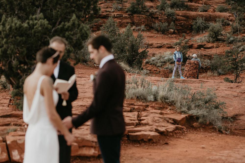 nicole-daacke-photography-sedona-arizona-destination-elopement-wedding-photographer-catherdral-rock-hiking-elopement-sedona-river-elopement-photos-desert-rock-wedding-photographer-laid-back-spontaneous-elopement-86.jpg