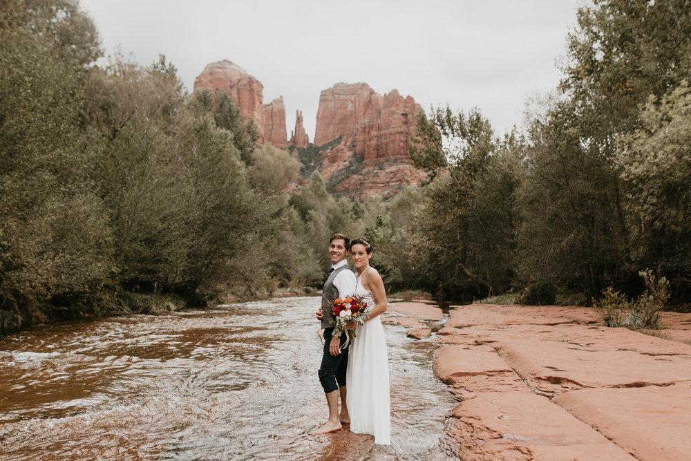 nicole-daacke-photography-sedona-arizona-destination-elopement-wedding-photographer-catherdral-rock-hiking-elopement-sedona-river-elopement-photos-desert-rock-wedding-photographer-laid-back-spontaneous-elopement-105.jpg