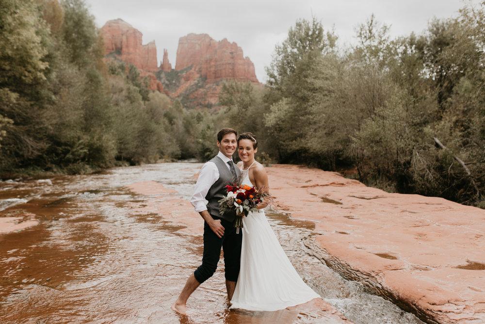 nicole-daacke-photography-sedona-arizona-destination-elopement-wedding-photographer-catherdral-rock-hiking-elopement-sedona-river-elopement-photos-desert-rock-wedding-photographer-laid-back-spontaneous-elopement-107.jpg