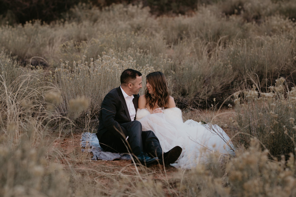 nicole-daacke-photography-zion-national-park-elopement-photographer-canyon-overlook-trail-elope-hiking-adventure-wedding-photos-fall-utah-red-rock-canyon-stgeorge-eloping-photographer-7.jpg