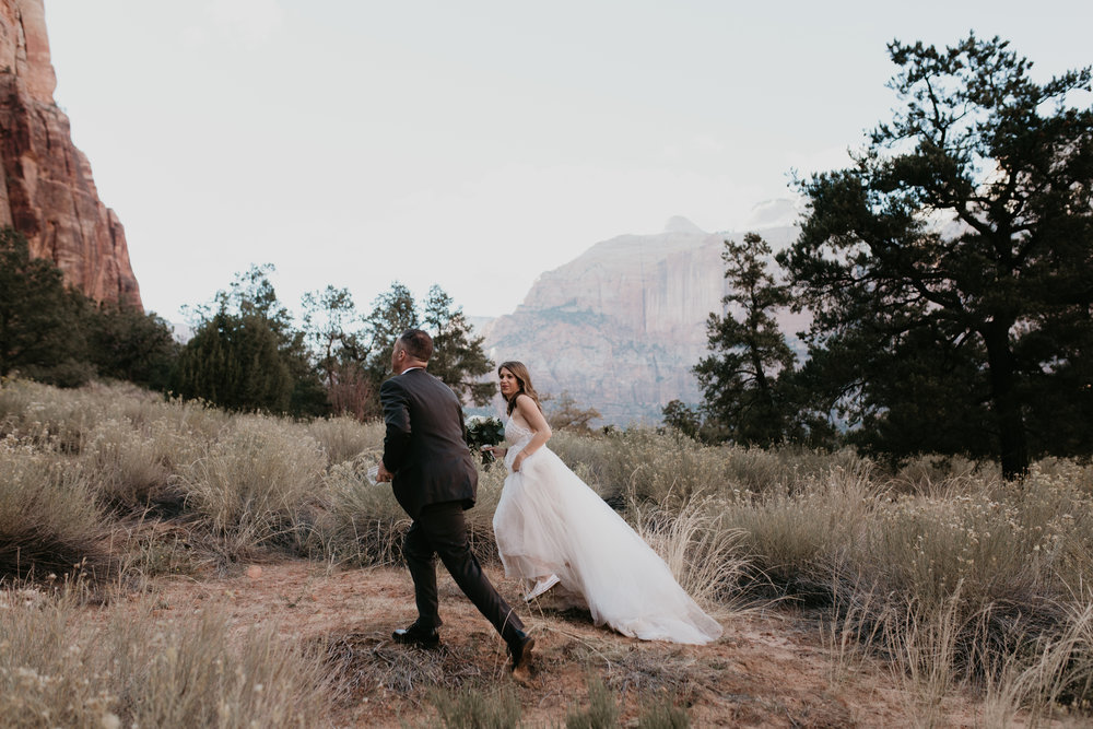 nicole-daacke-photography-zion-national-park-elopement-photographer-canyon-overlook-trail-elope-hiking-adventure-wedding-photos-fall-utah-red-rock-canyon-stgeorge-eloping-photographer-11.jpg
