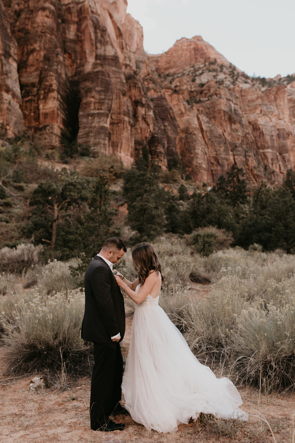 nicole-daacke-photography-zion-national-park-elopement-photographer-canyon-overlook-trail-elope-hiking-adventure-wedding-photos-fall-utah-red-rock-canyon-stgeorge-eloping-photographer-13.jpg