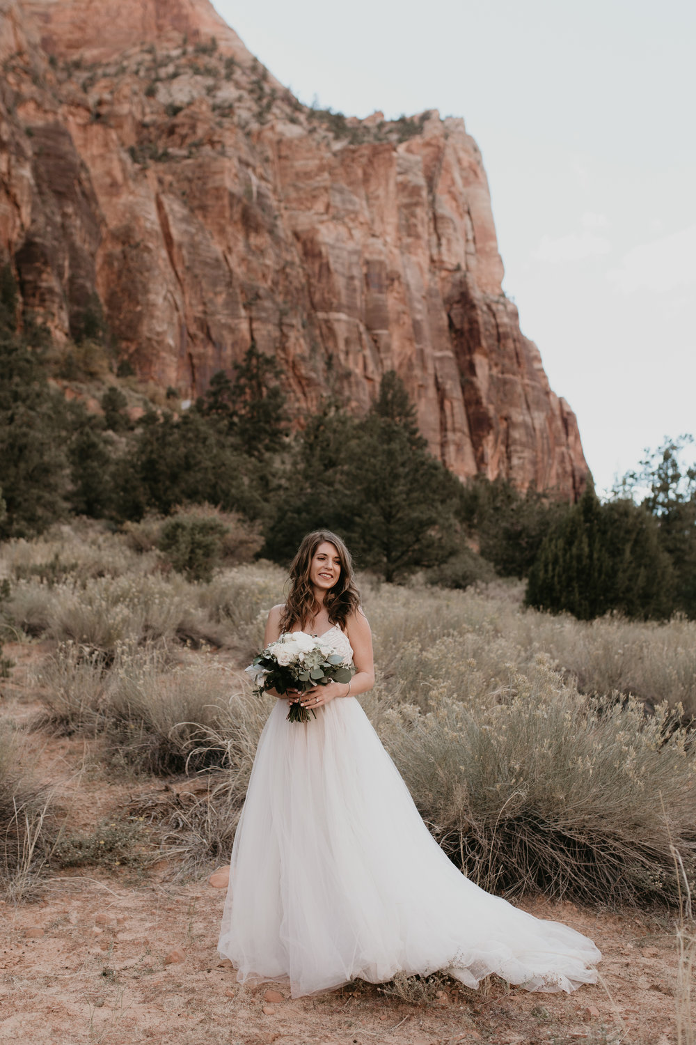 nicole-daacke-photography-zion-national-park-elopement-photographer-canyon-overlook-trail-elope-hiking-adventure-wedding-photos-fall-utah-red-rock-canyon-stgeorge-eloping-photographer-15.jpg
