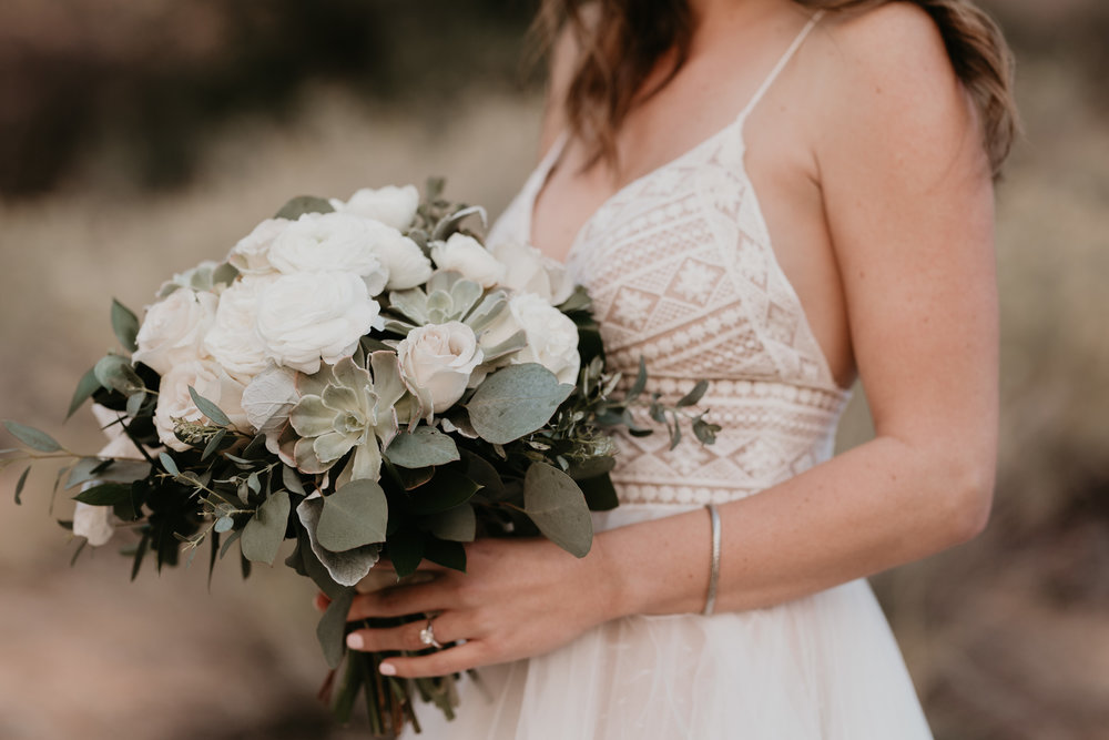 nicole-daacke-photography-zion-national-park-elopement-photographer-canyon-overlook-trail-elope-hiking-adventure-wedding-photos-fall-utah-red-rock-canyon-stgeorge-eloping-photographer-16.jpg