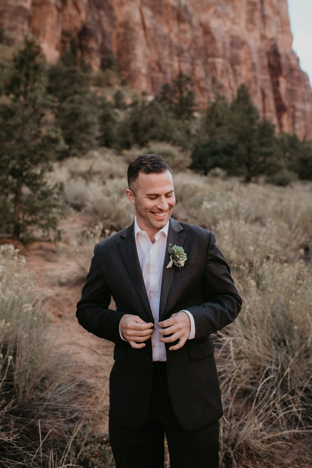 nicole-daacke-photography-zion-national-park-elopement-photographer-canyon-overlook-trail-elope-hiking-adventure-wedding-photos-fall-utah-red-rock-canyon-stgeorge-eloping-photographer-17.jpg