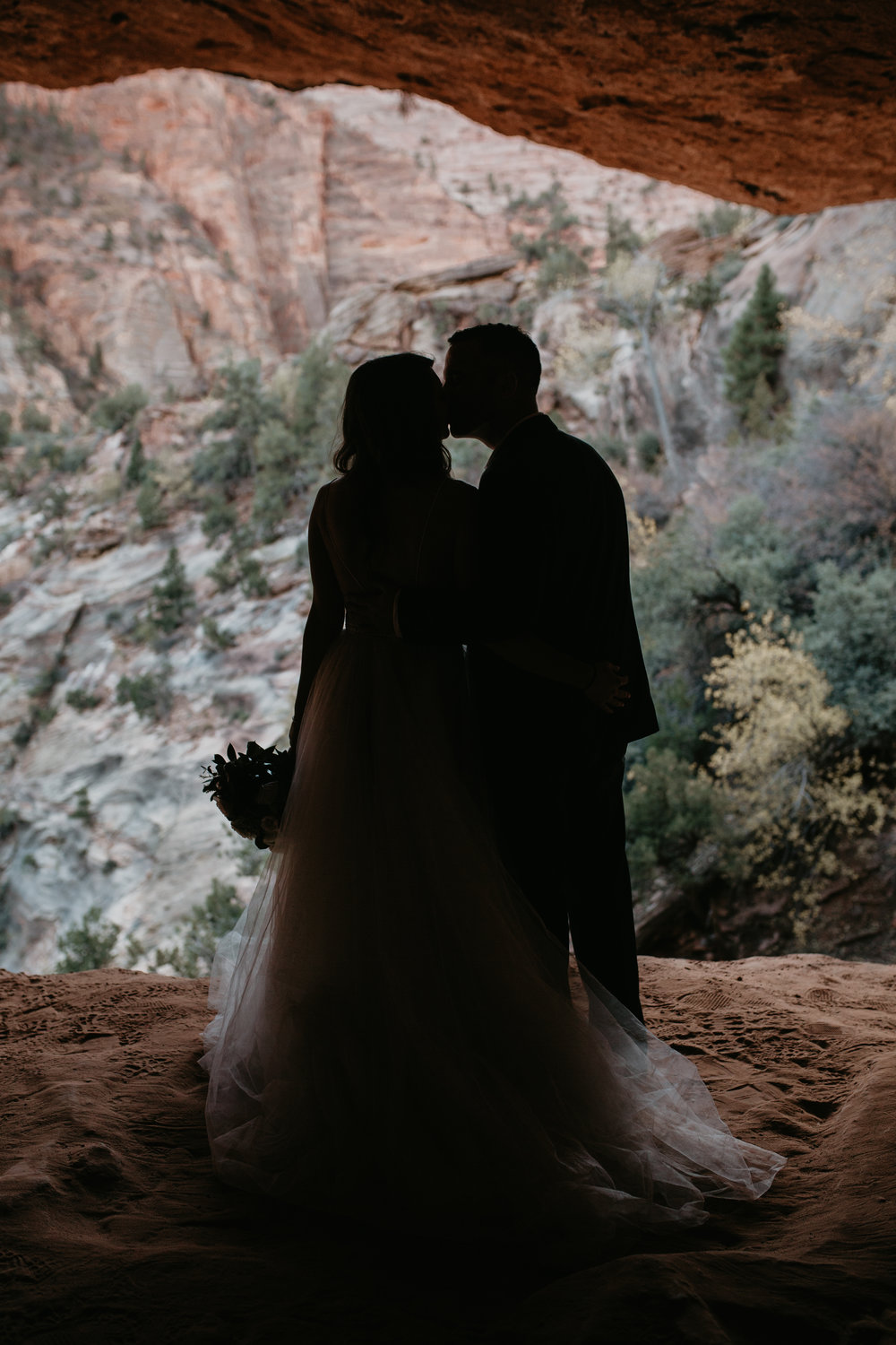 nicole-daacke-photography-zion-national-park-elopement-photographer-canyon-overlook-trail-elope-hiking-adventure-wedding-photos-fall-utah-red-rock-canyon-stgeorge-eloping-photographer-36.jpg