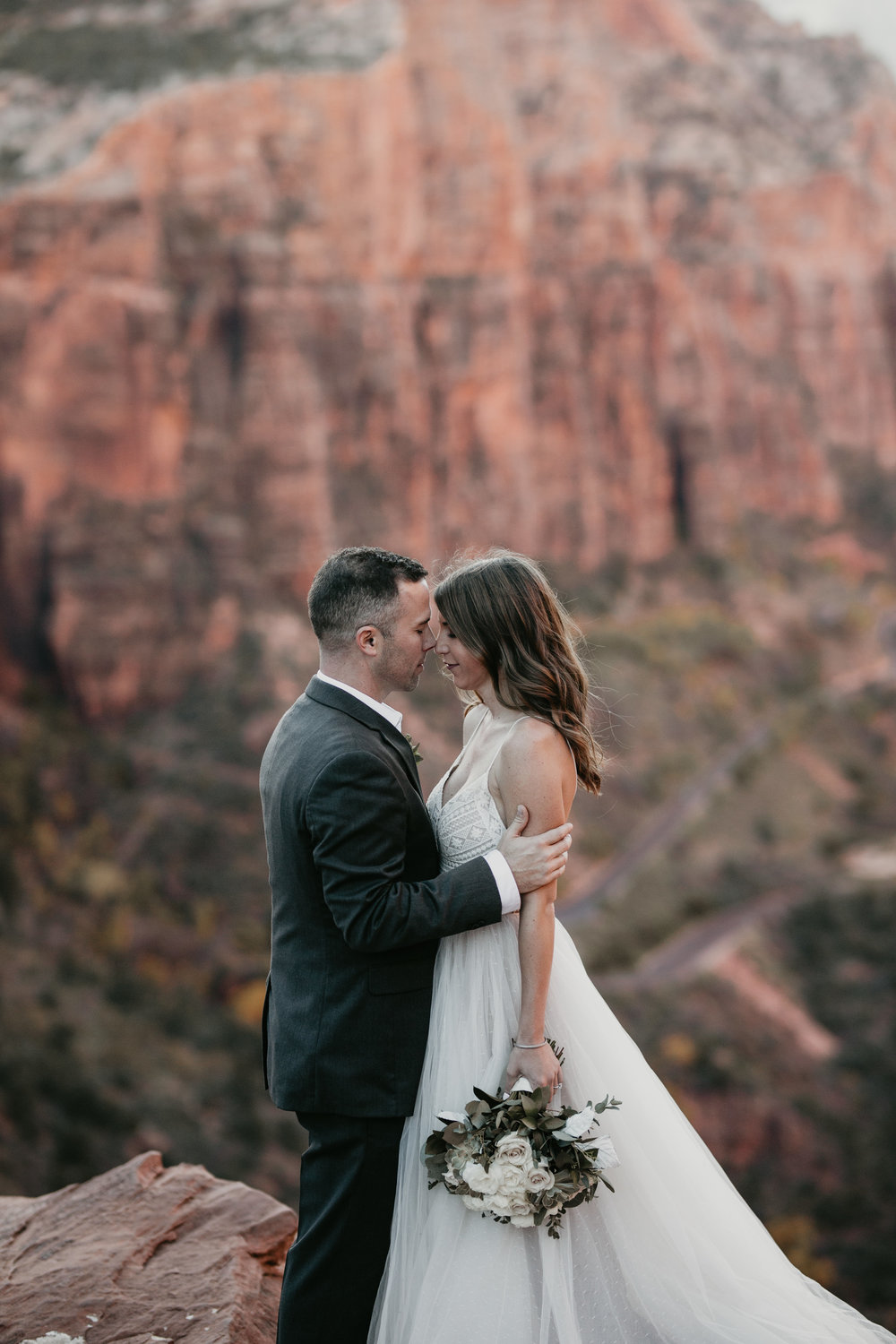 nicole-daacke-photography-zion-national-park-elopement-photographer-canyon-overlook-trail-elope-hiking-adventure-wedding-photos-fall-utah-red-rock-canyon-stgeorge-eloping-photographer-42.jpg
