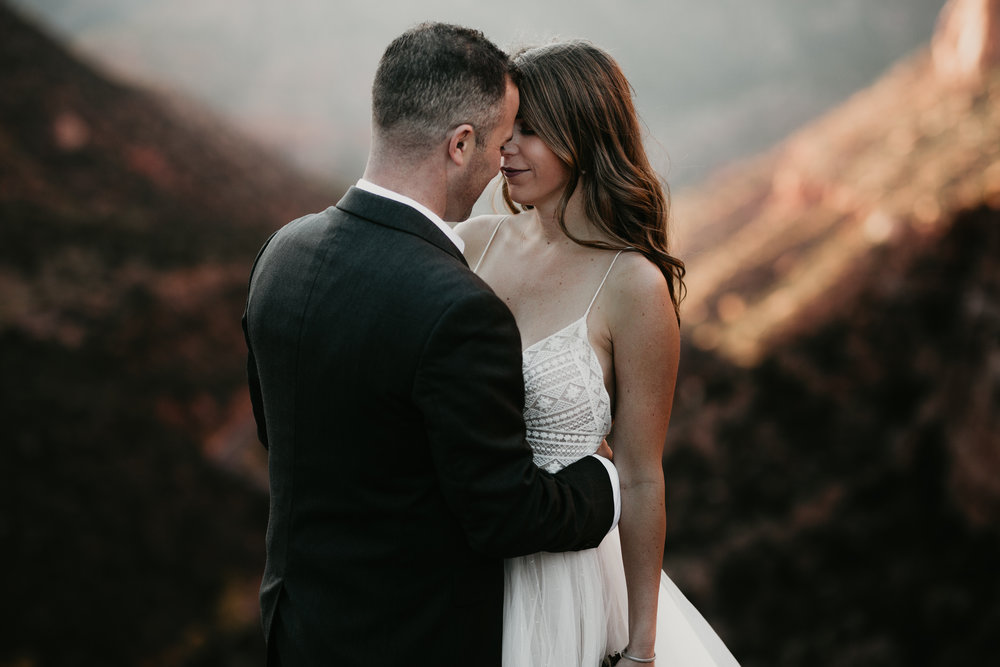 nicole-daacke-photography-zion-national-park-elopement-photographer-canyon-overlook-trail-elope-hiking-adventure-wedding-photos-fall-utah-red-rock-canyon-stgeorge-eloping-photographer-43.jpg