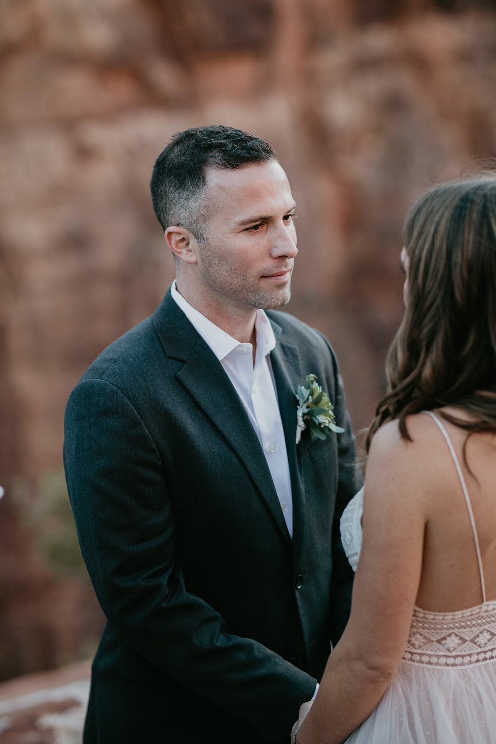 nicole-daacke-photography-zion-national-park-elopement-photographer-canyon-overlook-trail-elope-hiking-adventure-wedding-photos-fall-utah-red-rock-canyon-stgeorge-eloping-photographer-48.jpg