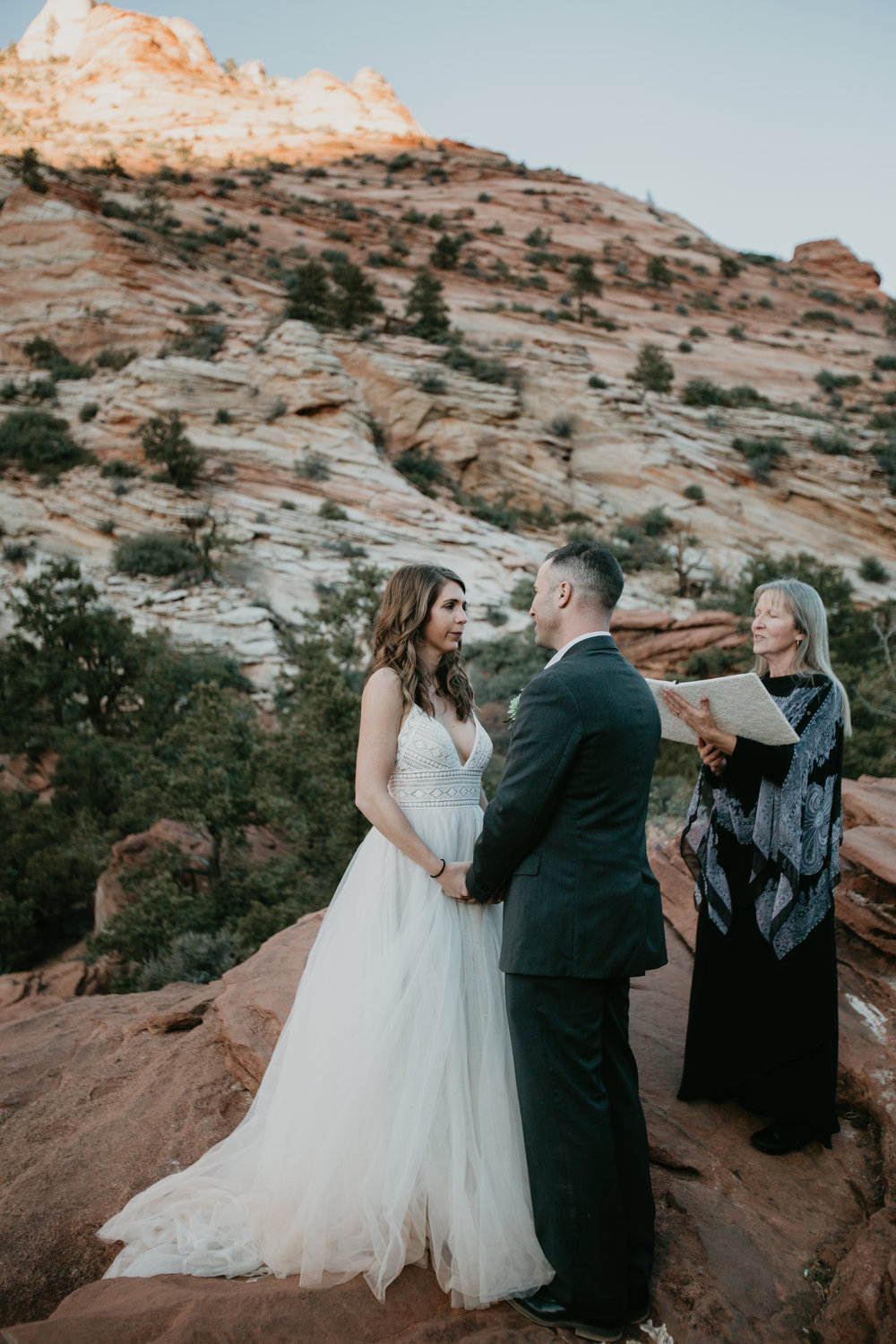 nicole-daacke-photography-zion-national-park-elopement-photographer-canyon-overlook-trail-elope-hiking-adventure-wedding-photos-fall-utah-red-rock-canyon-stgeorge-eloping-photographer-51.jpg