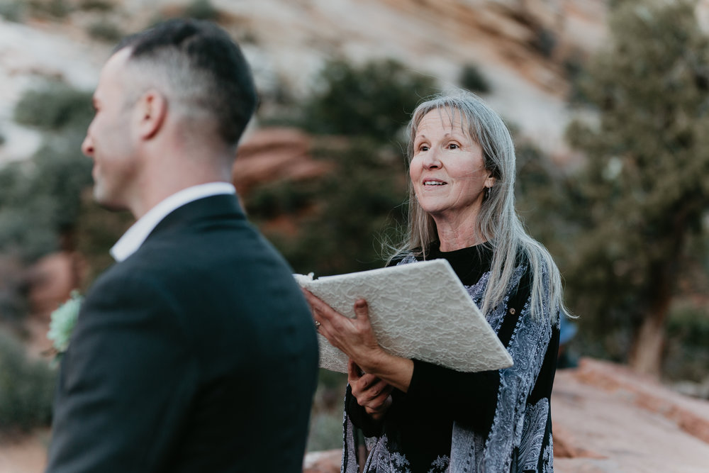 nicole-daacke-photography-zion-national-park-elopement-photographer-canyon-overlook-trail-elope-hiking-adventure-wedding-photos-fall-utah-red-rock-canyon-stgeorge-eloping-photographer-52.jpg
