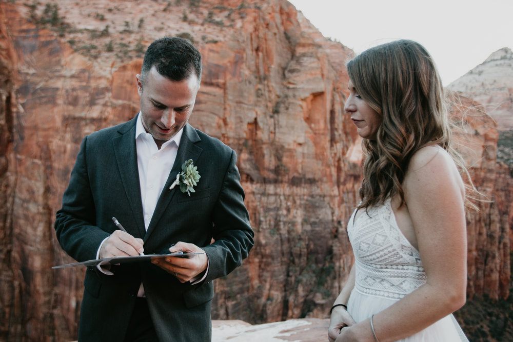nicole-daacke-photography-zion-national-park-elopement-photographer-canyon-overlook-trail-elope-hiking-adventure-wedding-photos-fall-utah-red-rock-canyon-stgeorge-eloping-photographer-56.jpg
