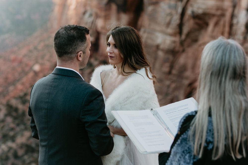 nicole-daacke-photography-zion-national-park-elopement-photographer-canyon-overlook-trail-elope-hiking-adventure-wedding-photos-fall-utah-red-rock-canyon-stgeorge-eloping-photographer-59.jpg