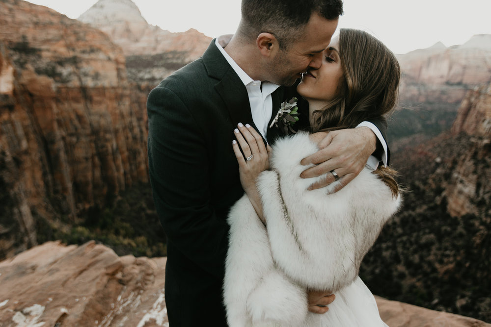 nicole-daacke-photography-zion-national-park-elopement-photographer-canyon-overlook-trail-elope-hiking-adventure-wedding-photos-fall-utah-red-rock-canyon-stgeorge-eloping-photographer-69.jpg